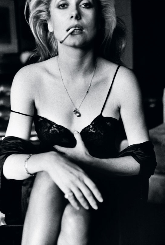 09Helmut Newton, Catherine Deneuve, Esquire, Pari, 1976, Vogue.fr